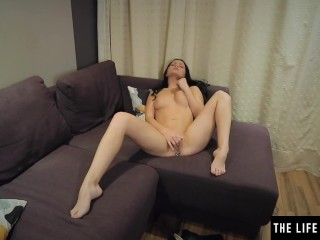 Fingers in her pussy and a plug in her ass get her off so hard